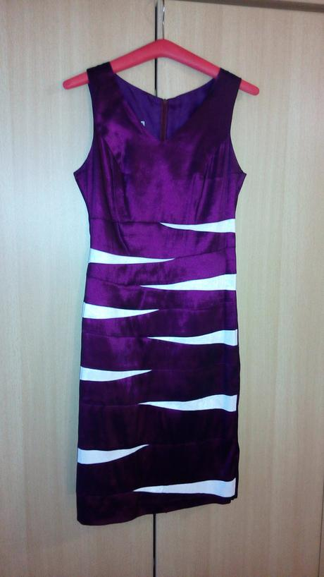 Fialové spoločenské šaty, 38