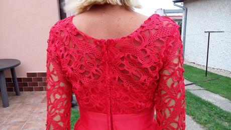 Nádherné čipkované šaty, 34