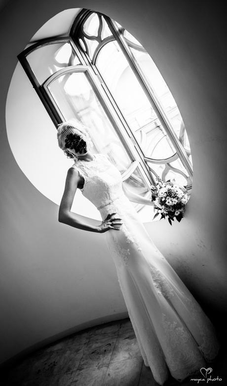 Snehovo-biele čipkované šaty LA SPOSA, 34