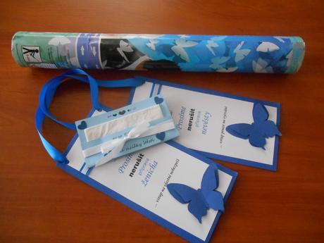 konfety,kapesníčky,karty,