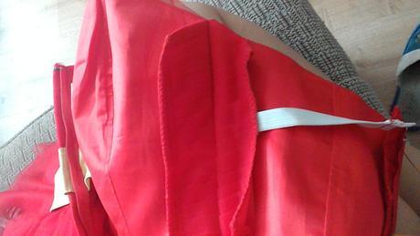 Červene šatky, 36