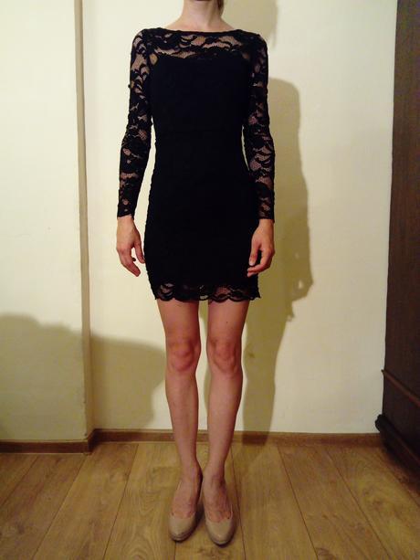 Koktejlové čierne šaty, 34