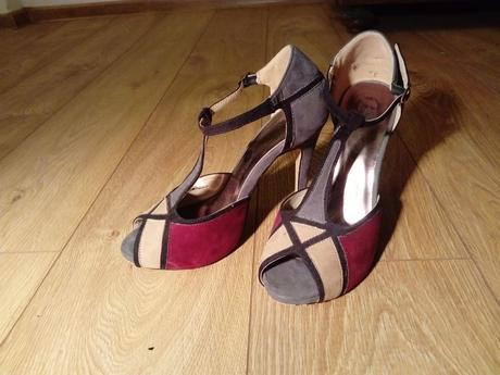 Topánky na opätku , 37