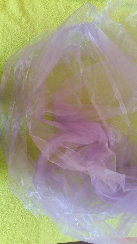 Bledo fialová organza 5m x 48 cm,