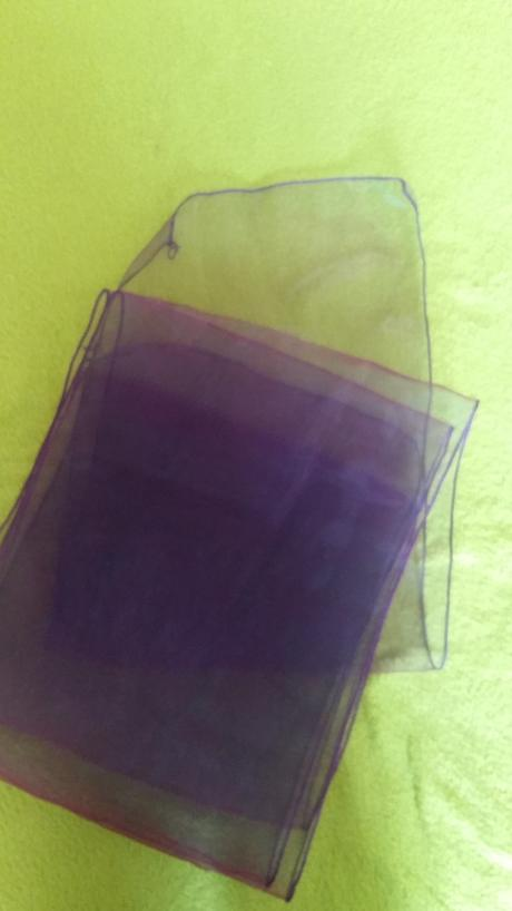 Fialová organza 30 cm x 275 cm,