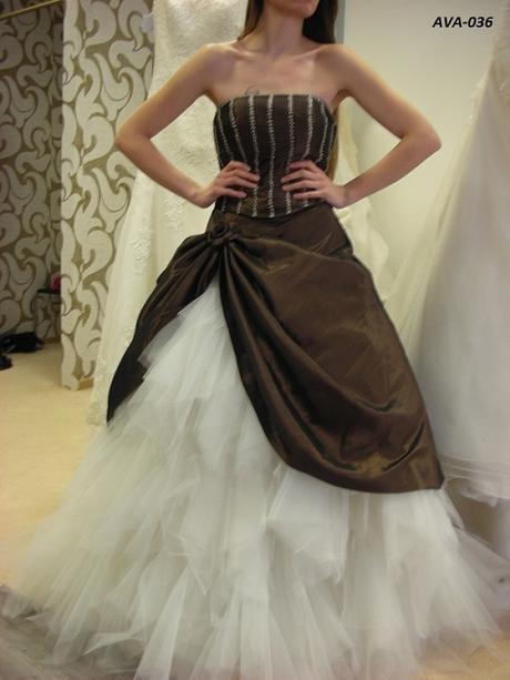 Spoločenské alebo svadobné šaty 34, 36