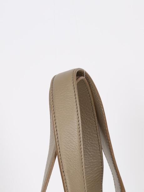 Čistá elegancia od Yves Saint Laurenta PC1100eur,