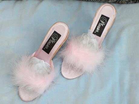 topánky s cickou, 37