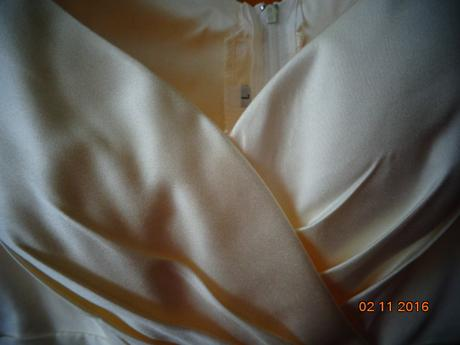 Šaty , L