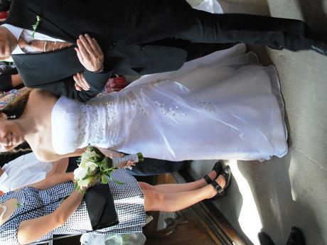 svatební šaty s krátkou vlečkou pro malou nevěstu , 34