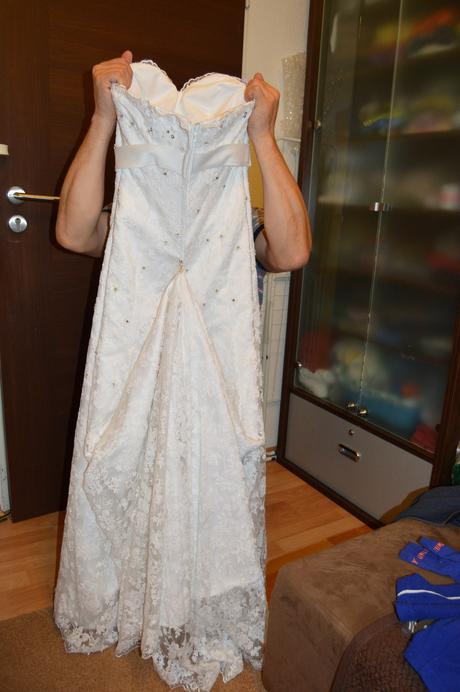 čipkovane svadobne šaty s vlečkou, 38