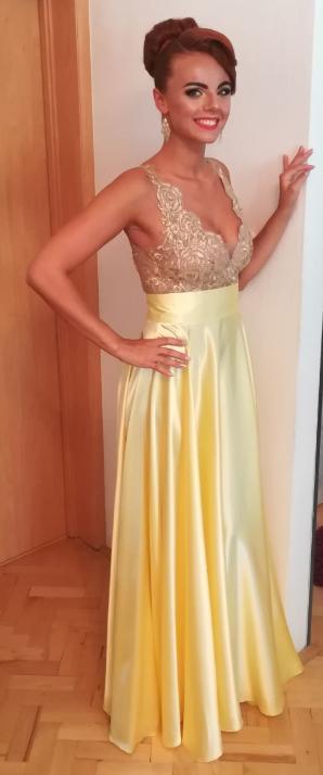 4300b14fc9e8 Spoločenské žlto - zlaté šaty