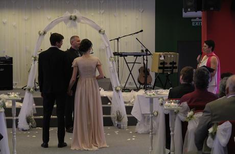 Neotřelé svatební šaty , 38