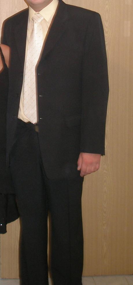 Pánsky oblek s vestou, 56