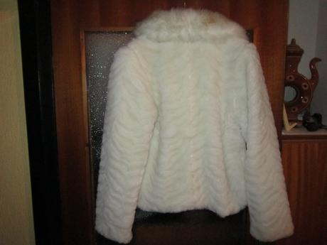 Kožuštek-kabátik ,