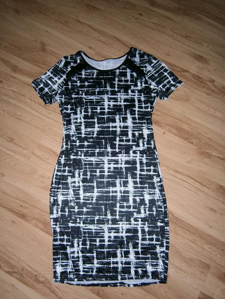 puzdrove šaty, 42
