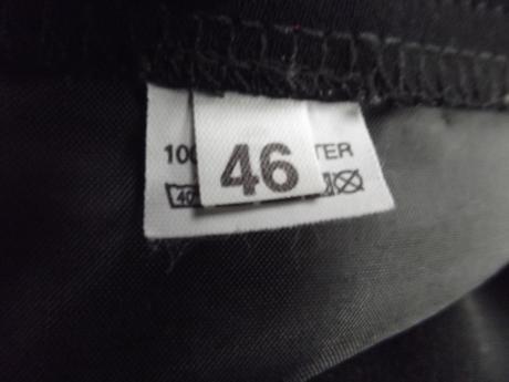 Dámska čierna sukňa, 46