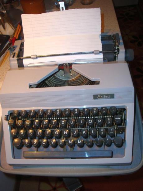 šikovný písací stroj,