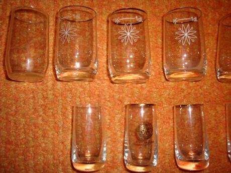 staré poháriky,