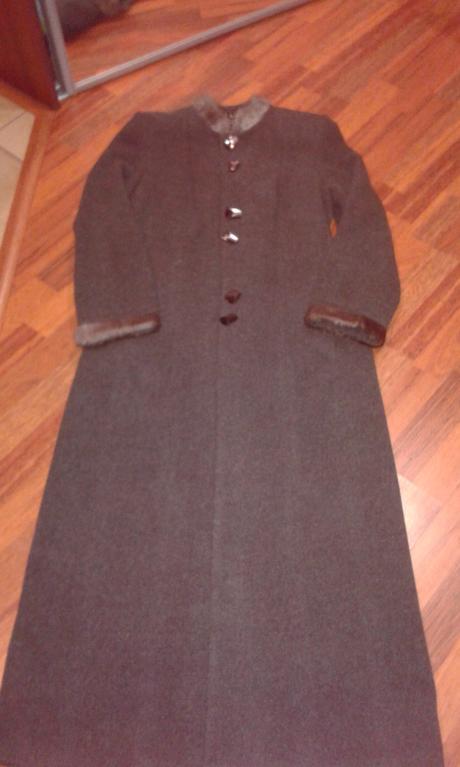 Dlhý kabát na zimu, 40