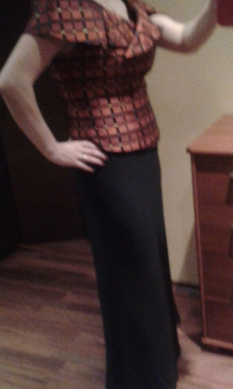Korzet + sukňa veľ.42-44 s poštou, 44