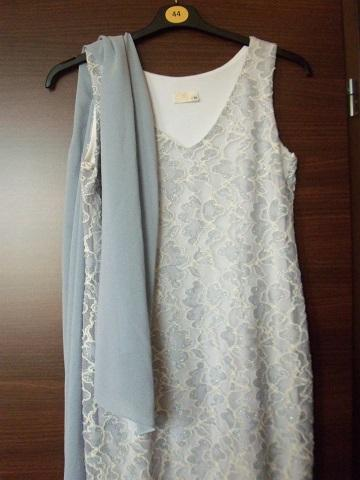 Šaty s čipkou s poštou, 40