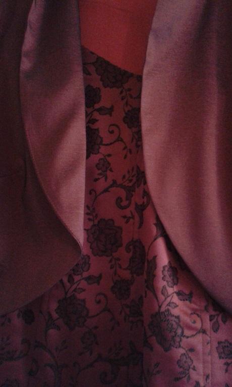 Sukňa,korzet, kabátik, 44