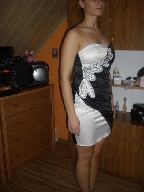 Čiernobiele šaty, 38