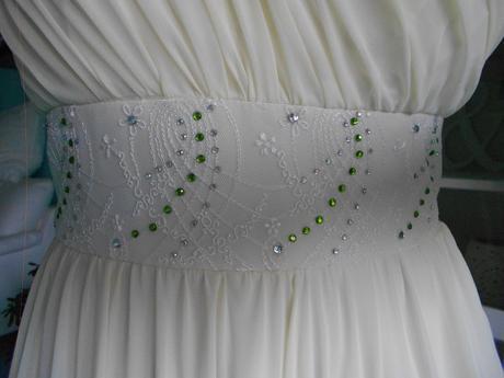 Antické svatební/společenské šaty na jedno rameno, 38