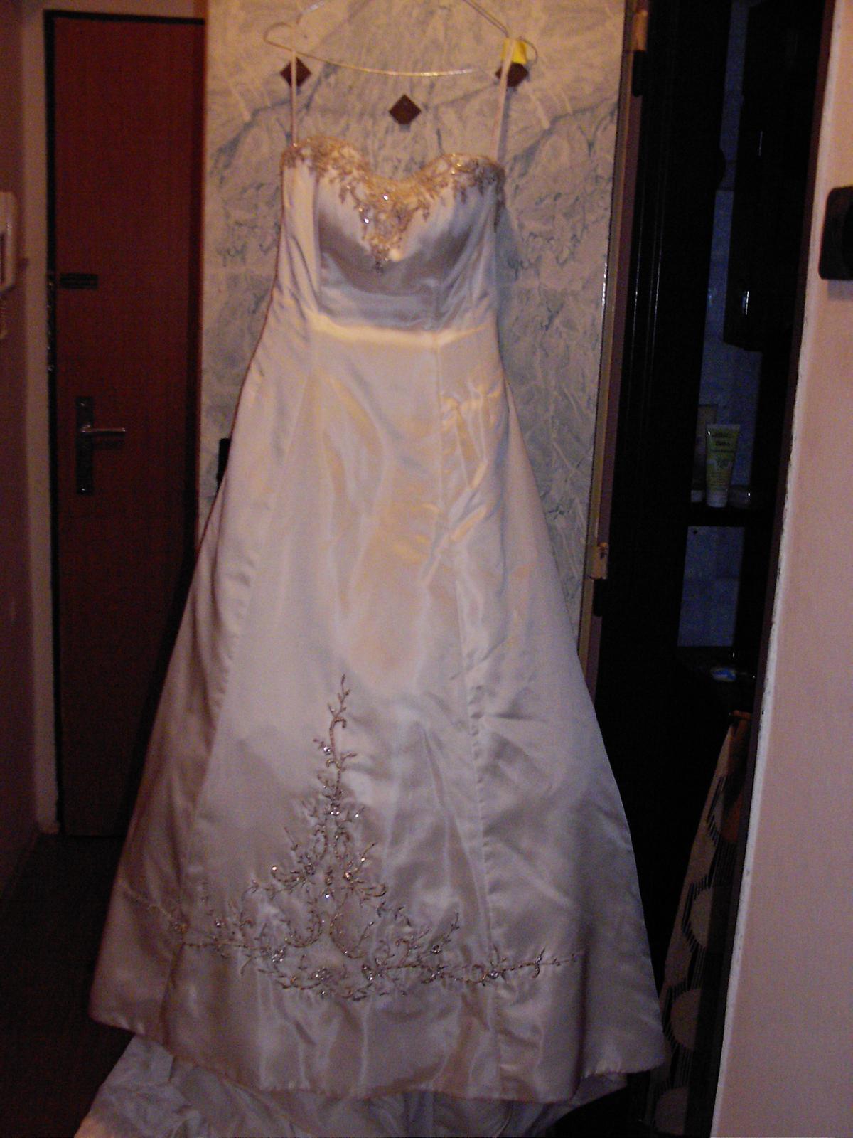 Luxusni Svatebni Saty Od Alfreda Angela 37 3 500 Kc Svatebni