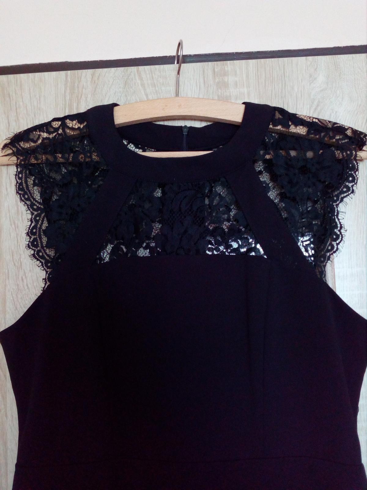 eb7d8892b0f1 Čierne puzdrové šaty s čipkou