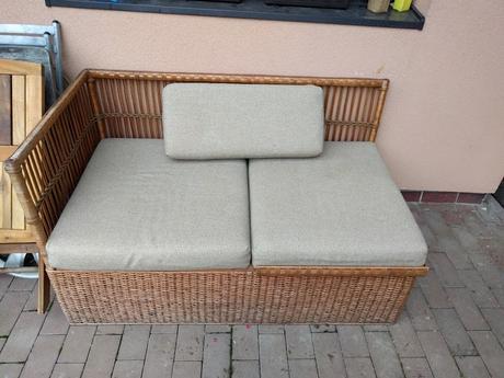 Ratanová lavica,