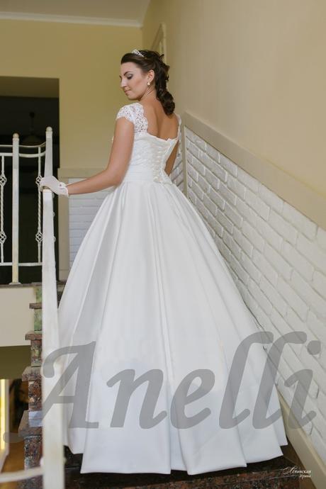 Šitie svadobných a večerných šiat na mieru, 38