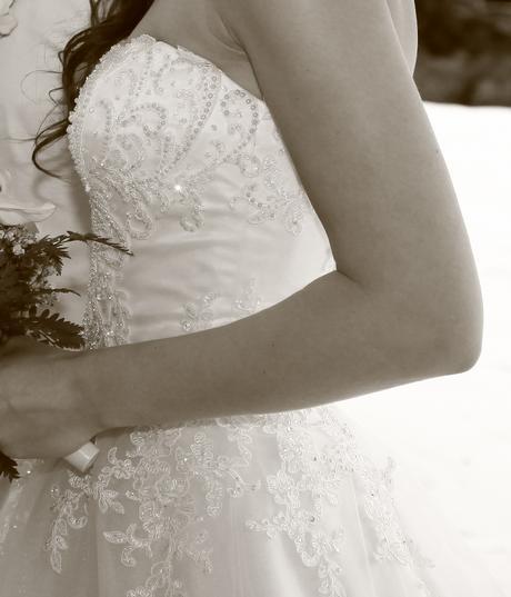 Svatební šaty s perličkami a krajkou - vel. 34-36, 36