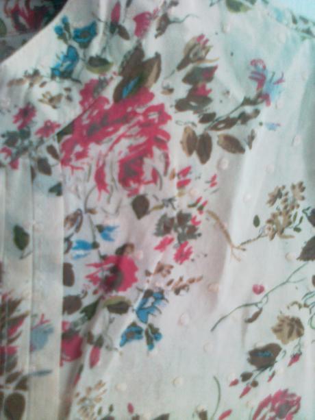 Blúzka kvetovaná, 40