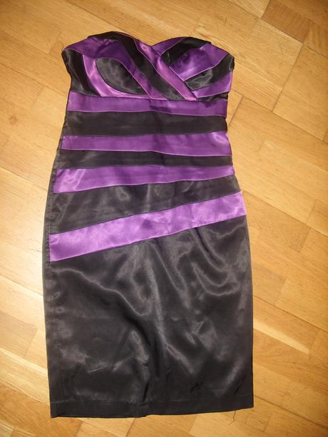 Satétové krátke šaty s fialovými pruhmi , 36