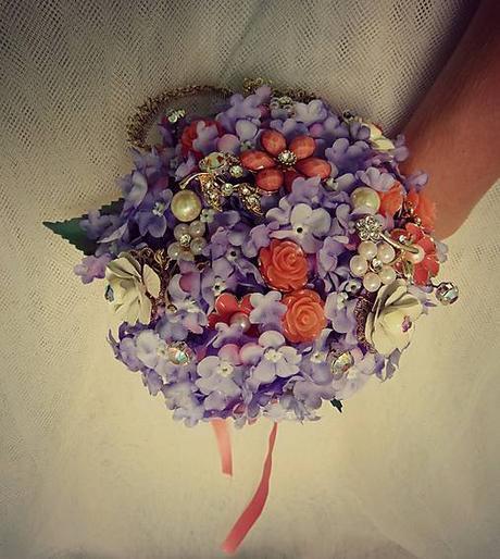 Veselá svadobná kytica ,