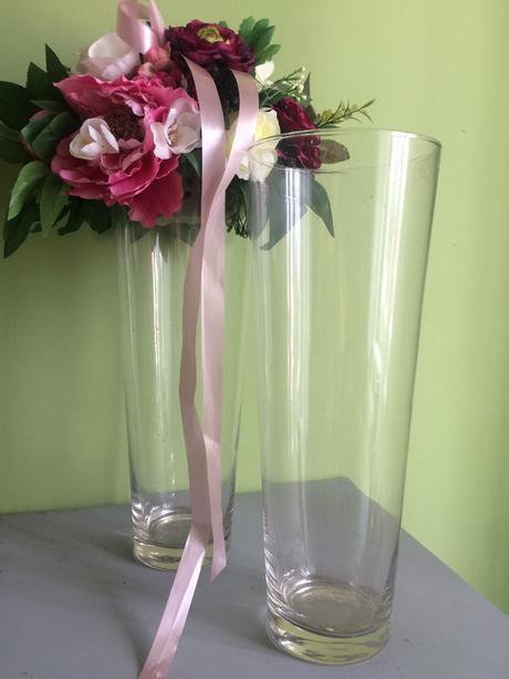 Vysoké sklenené vazy,