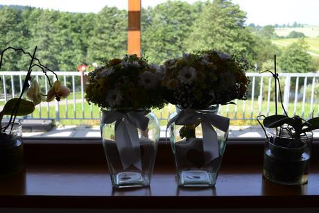 vintage dekorace- svícny a vázy,
