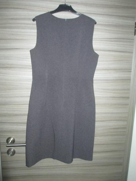 Šedé šaty C&A, M