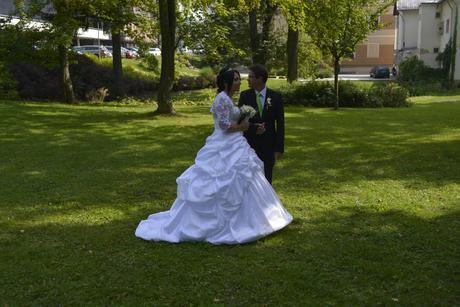 Princeznovské svatební šaty (nové), 40