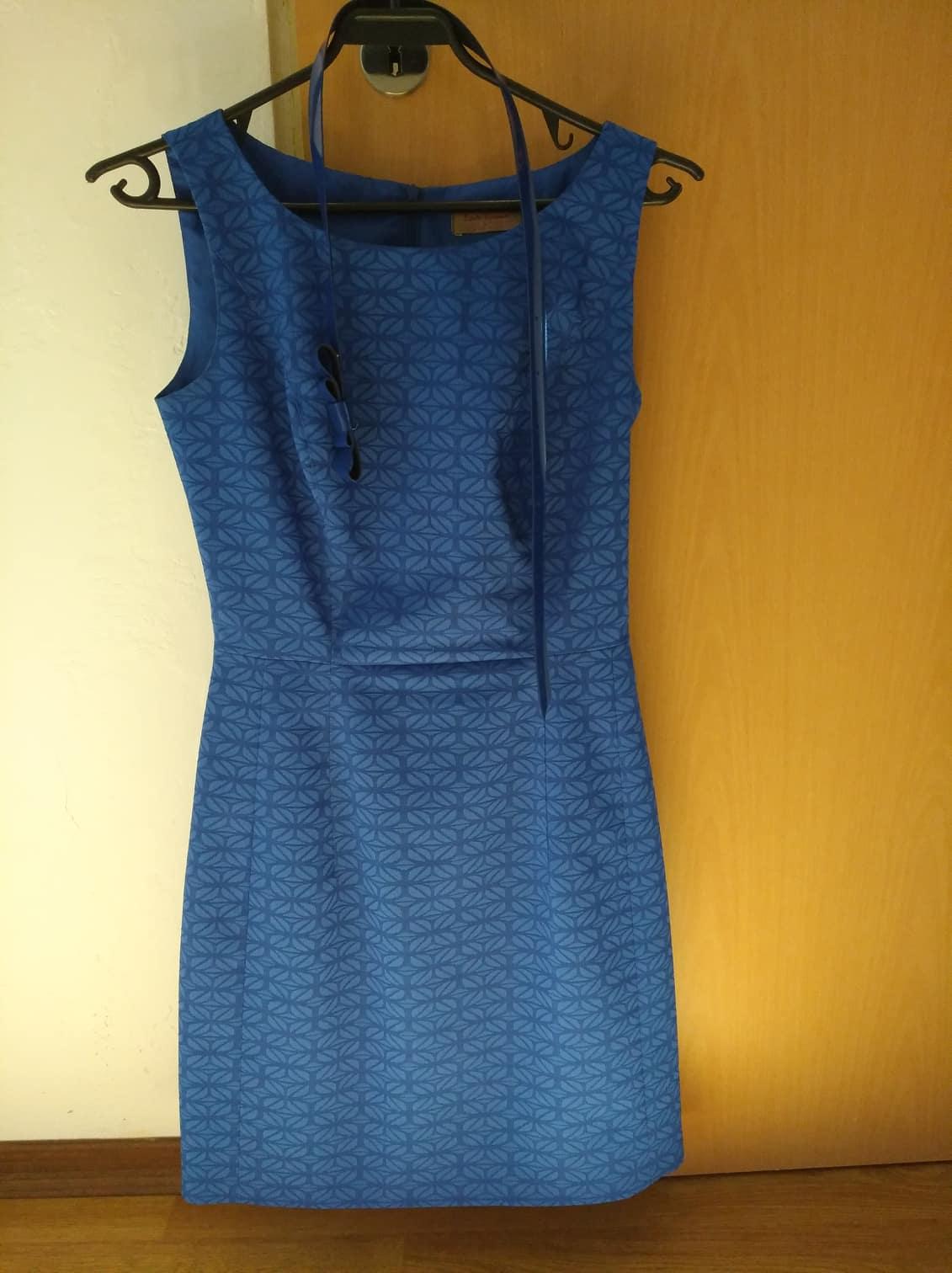 ec49e611c476 Společenské šaty