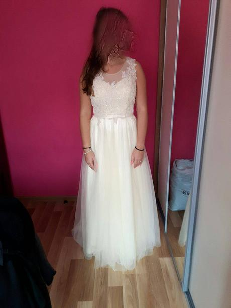 Svadobné alebo spoločenské šaty, 38