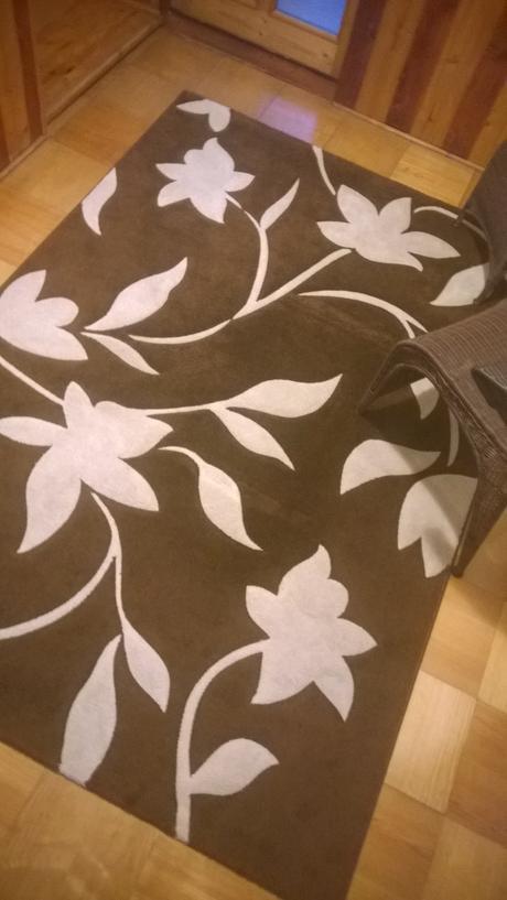 koberec s kvetmi,