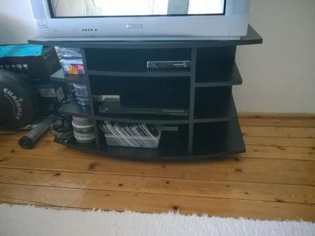 skrinka pod TV,