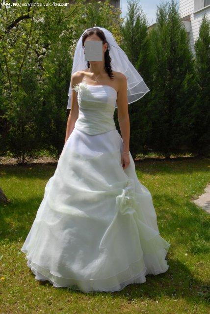Bielučké šaty s prelínaním do jemne zelenej, 38
