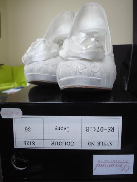 Ivory svadobne lodicky, 36