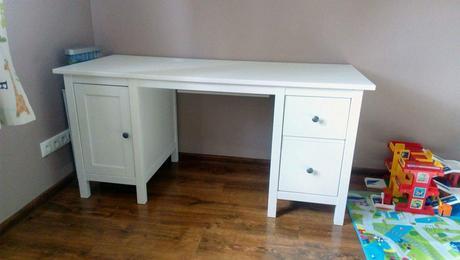 Hemnes písací stôl z Ikea,