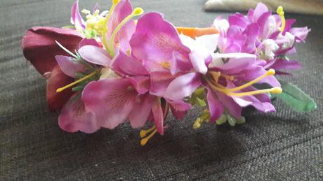 Kvetova čelenka ,