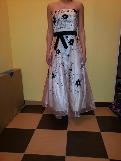 Nádherné spoločenské šaty, 34